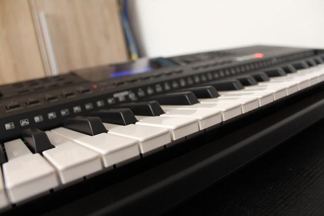 Yamaha PSR-E453 Tasten