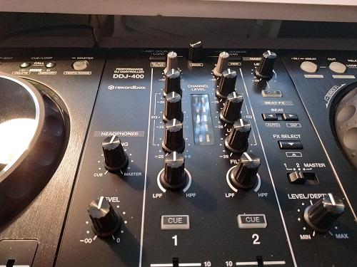 DJ Controller Funktionen mit Effekten