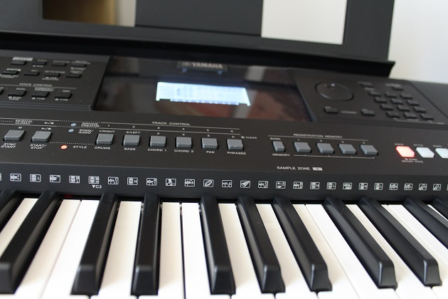 Yamaha Keyboard Instrument