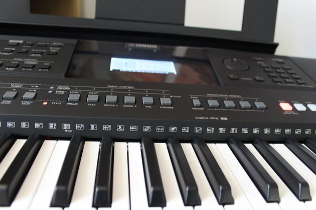 Yamaha Keyboard Instrument