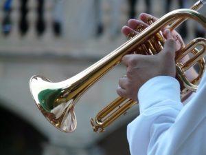 Trompete spielen