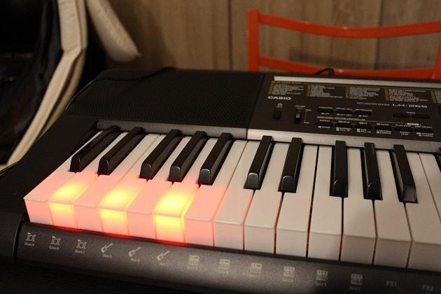 Casio-LK-265-Keyboard mit Leuchttasten