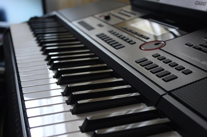 Casio CT-X5000 Keyboard spielen